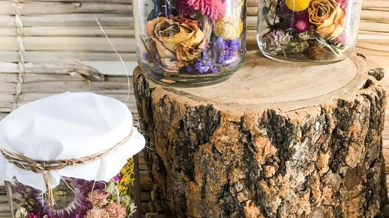 relicário de flores secas