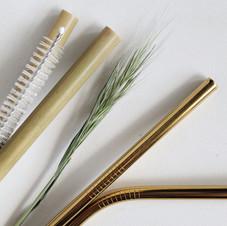 Pailles et métal ou bambou