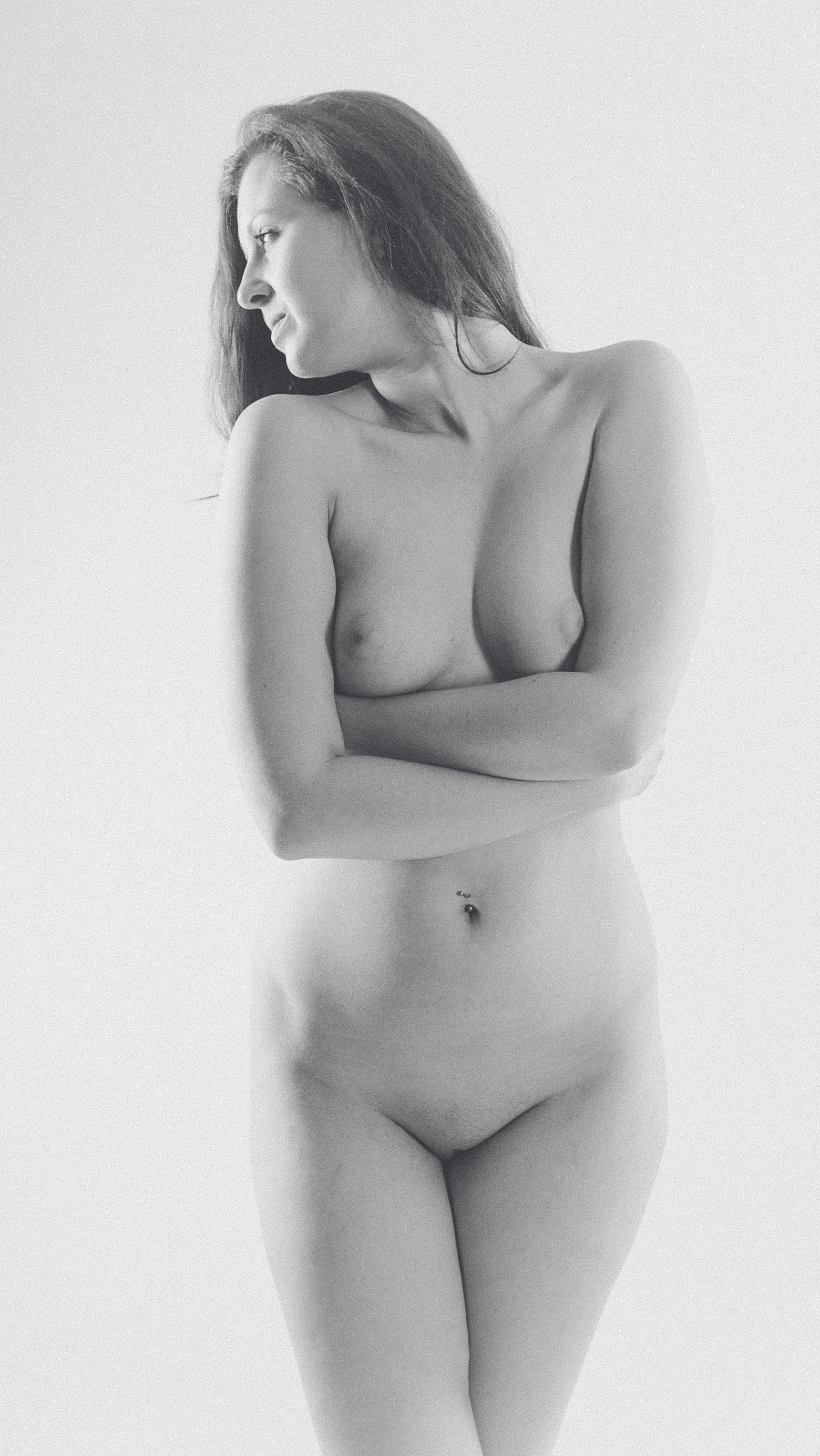 Nude_crossed arms