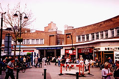 Uxbridge Underground Station,_High_St