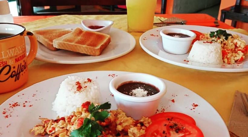 MangoHabaneroRestaurantMexicanFoodIslaMujeresMexicoEggsBreakfast.VNFB.jpg