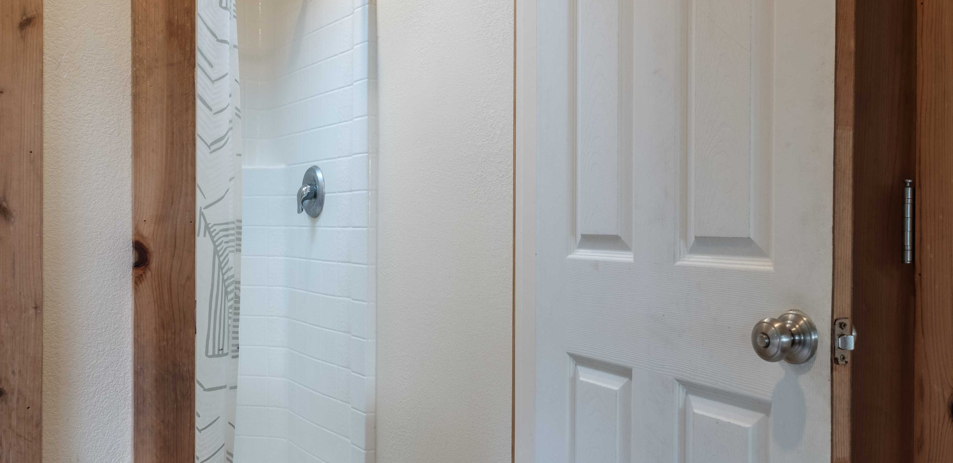 Sauna_Shower_01.jpg