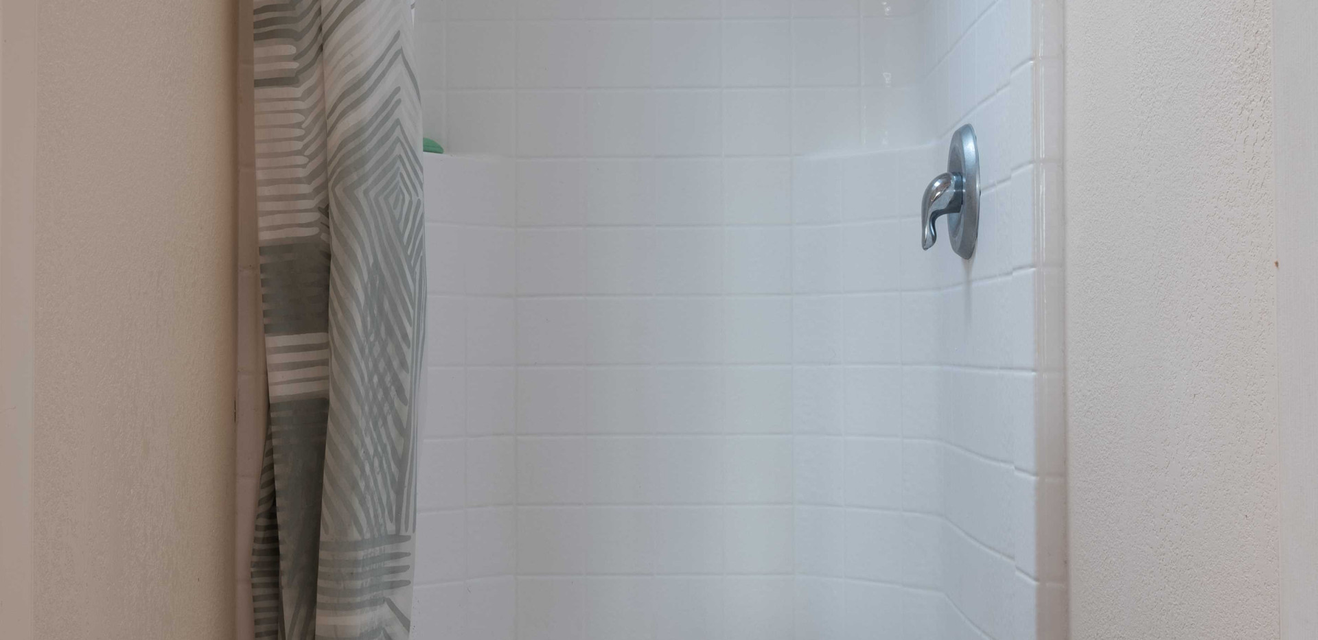 Sauna_Shower_02.jpg
