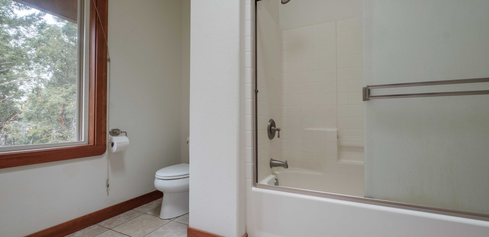 House_Up_Bath_03.jpg