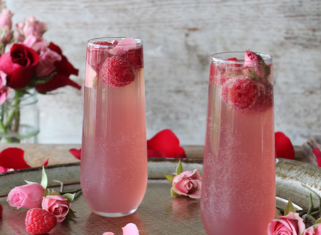 raspberry rosé spritzer
