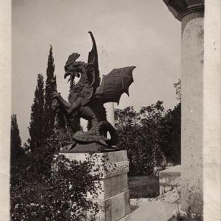 Fernkornova skulptura baziliska na Trsatskoj gradini