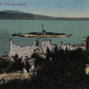 "Novi Vinodol. Otok ""San Marino"""