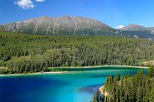 Emerald_Lake,_Yukon_territory,_Canada..j