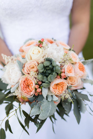 Beautiful and bright wedding flowers