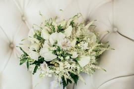 Gorgeous, classic white bouquet