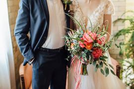 Modern, stunning bridal bouquet