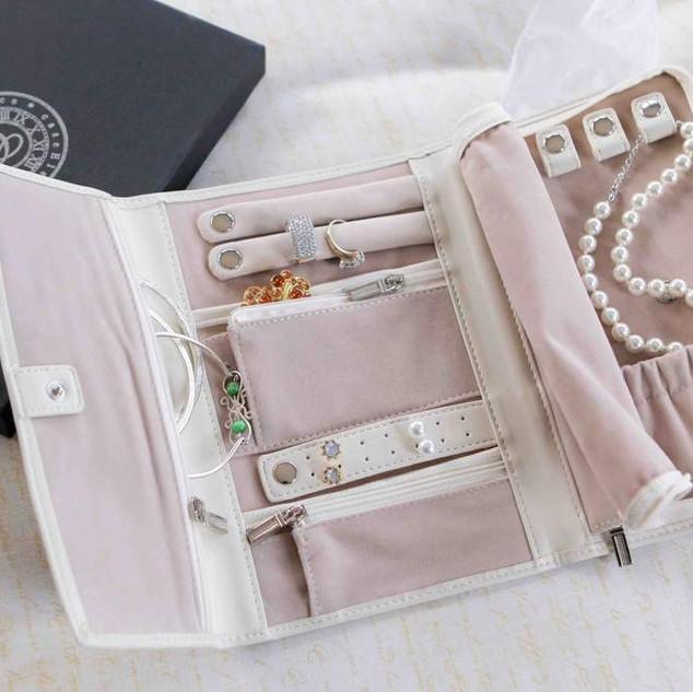 jewelry organizer2.jpg