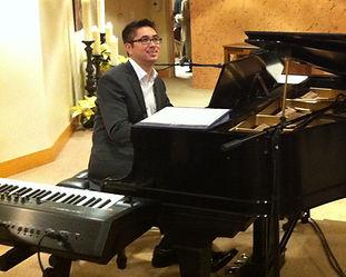 Erik Przytulski on the piano.