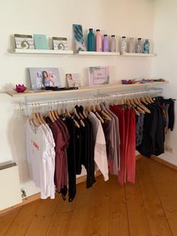 Yogi Shop