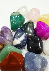 4 Formas de Limpar e Energizar Pedras e Cristais - Conheça-as!