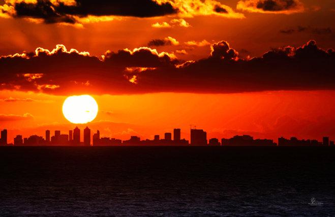 SunsetOverMiami_1-2642-Exposure1.jpg