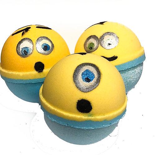 Toy surprise bath bombs (Minions)