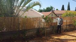 הקמת גדר במבוק 1