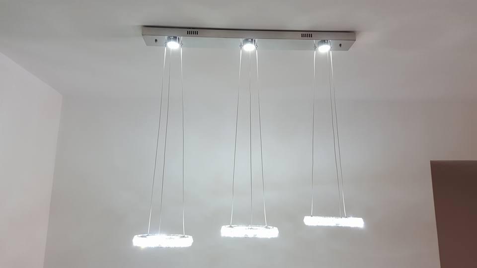 גוף תאורה לד שלוש מנורות תלוי דלוק