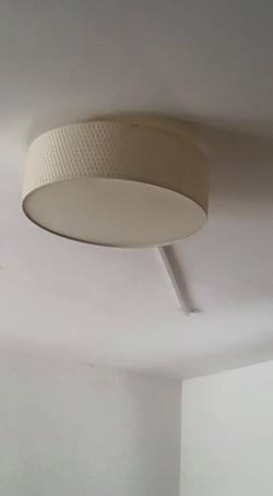 מנורה צמודת תקרה