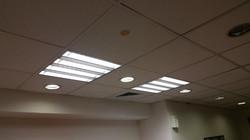 תאורת משרד בתקרה אקוסטית