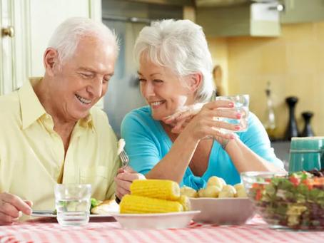 Il calo del fabbisogno energetico comporta una rivisitazione della dieta nella terza età.