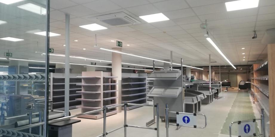 Centre commercial à Ville La Grand-France