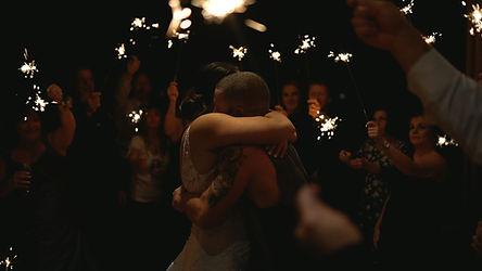 Aura wedding videographer & photographer - Ottawa Gatineau - Montreal - Laurentides - Wedding film