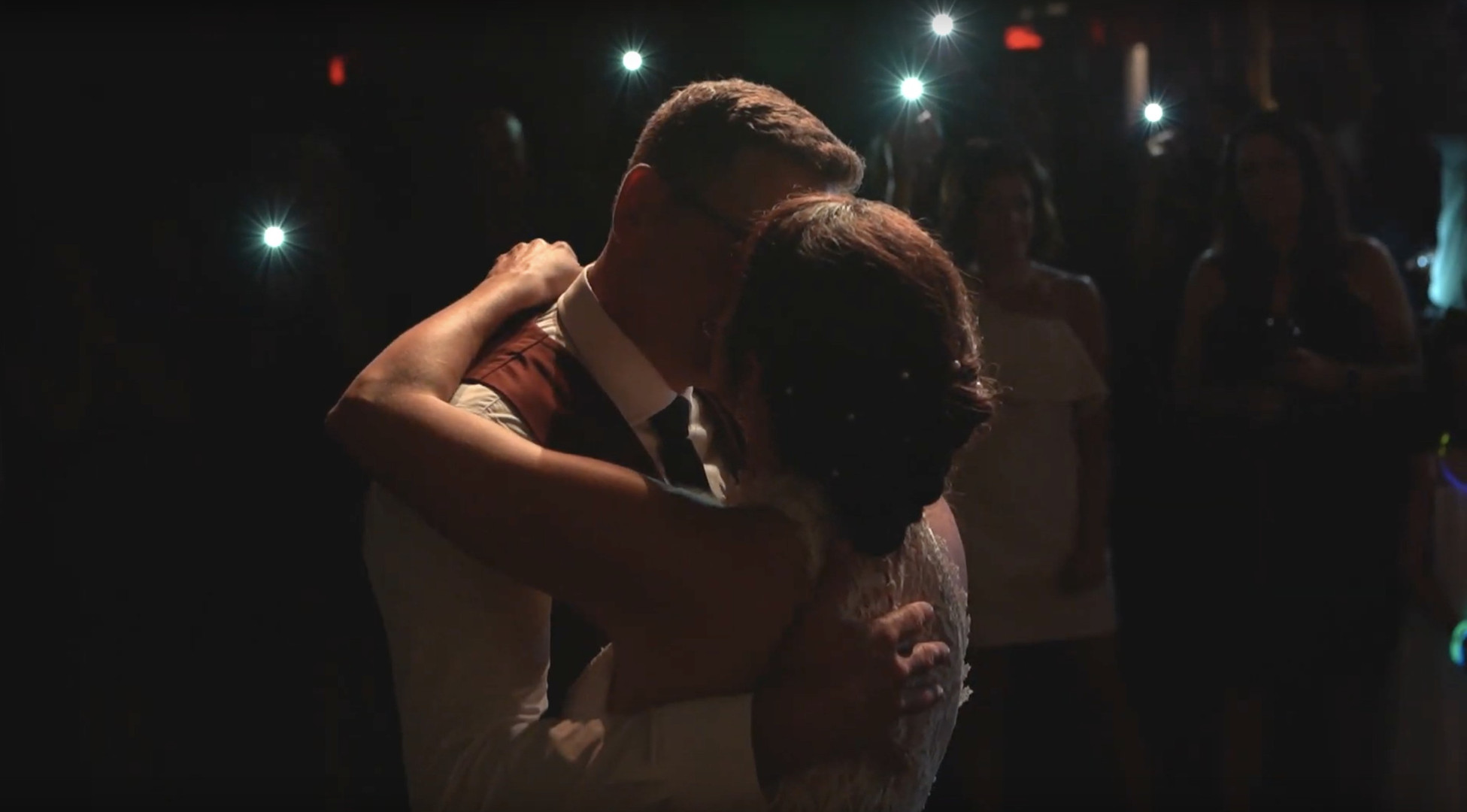 Aura wedding videographer & photographer - Ottawa Gatineau - Montreal - Laurentides - Wedding film - video de mariage - photgraphe de mariage FIRST DANCE - LE RITUEL GATINEAU