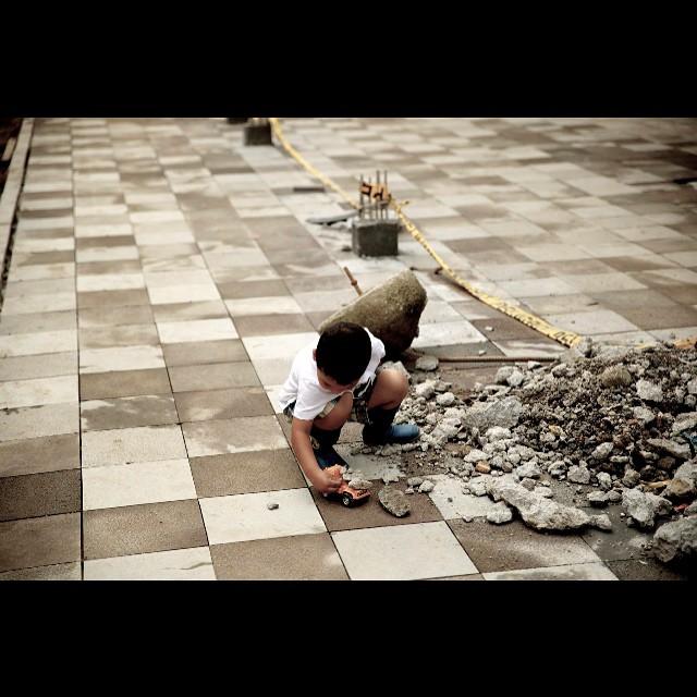#children #child #dirt #playing #play #mindo #ecuador