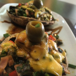 #ecuador #food #portobello #mushroom #champiñones #green #verde #aceituna #olive #dinner #amazing