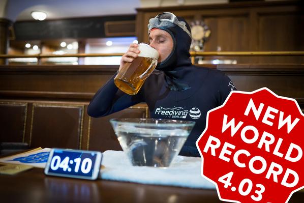 Světový rekord v umyvadlovém potápění