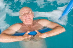 idoso natação