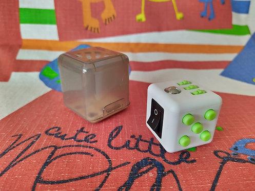 Fidget cube blanco verde