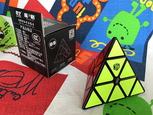 QiYi Pyraminx Bell  Xman magnética base negra