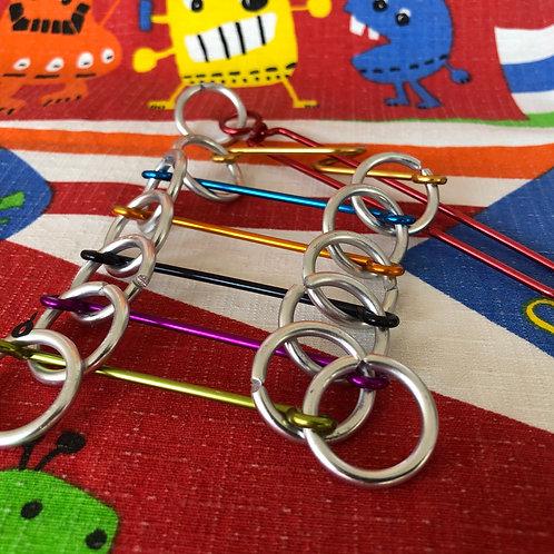 Puzzle de alambre color escalera