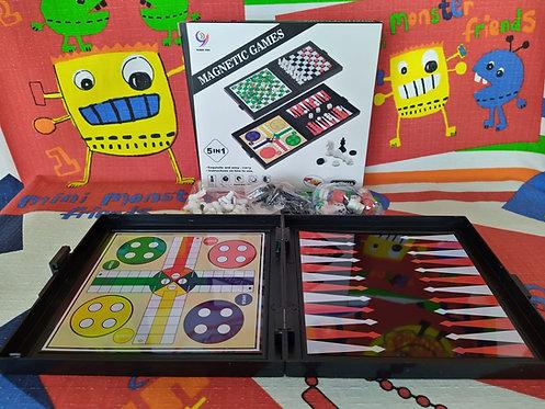 Ajedrez portable magnético 5 juegos en 1