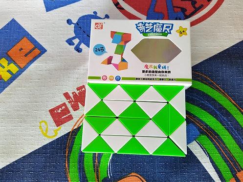 QiYi Twisty snake 24 piezas verde con blanco
