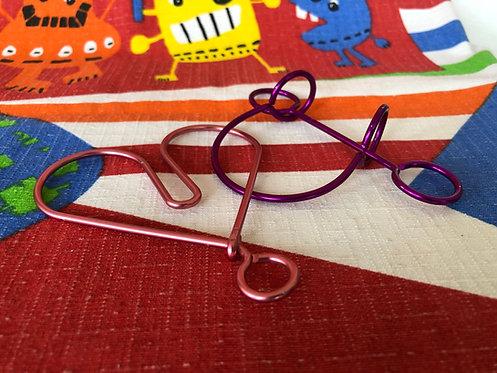 Puzzle de alambre color corazón