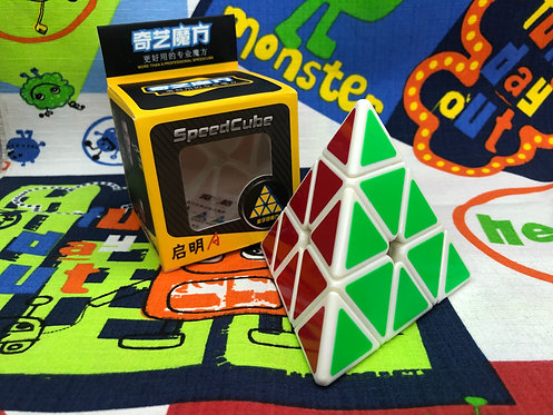 QiYi QiMing A Pyraminx base blanca