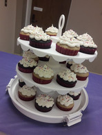 Chocolate and vanilla cupcakes with a white buttercream frosting