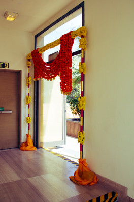 Simple and elegant entrance decoration for a Mehendi function