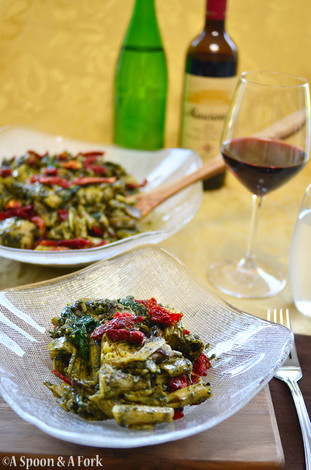 Penne with Basil Spinach Pesto and Sauteed Mushrooms and Artichokes Recipe