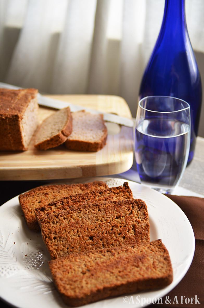Hearty Homemade Garlic Thyme Bread