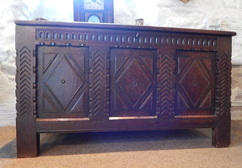 A Beautiful 17th Century Oak Coffer (HAL/422)