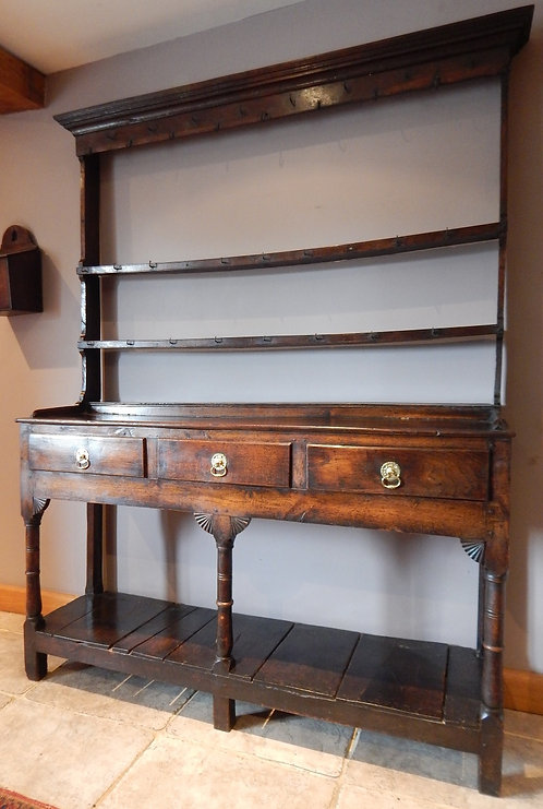 A Stunning Early George 3rd Oak Dresser (DKS/625)
