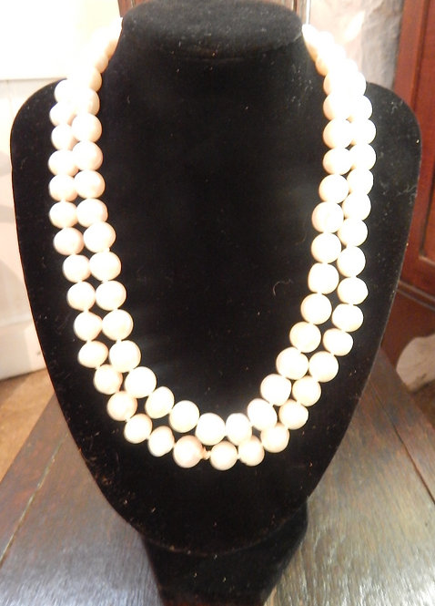 A Beautiful Real Cultured Pearl Necklace (COM/370)