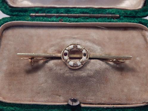 A Beautiful 14ct Gold Bar Brooch (DKS/533