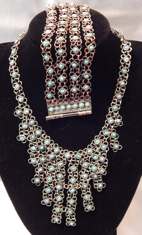 A Beautiful Turquoise Necklace & Bracelet(CB/427