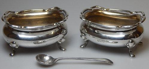 Victorian Silver Salts, Walker & Hall (DKS/611)